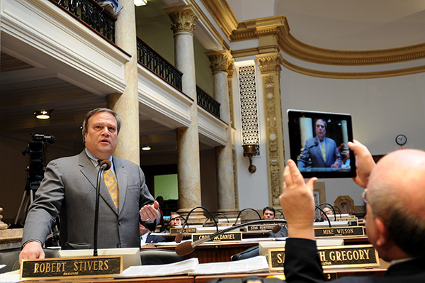 Senate President Robert Stivers, R-Manchester, speaks on a state employee pension reform bill in the Kentucky Senate. (Photo courtesy of Legislative Research Commission Public Relations)
