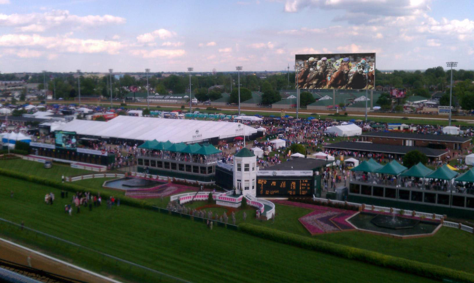 Churchill Downs will add a 15,224-s.f., high-definition LED video board in time for the 2014 Longines Kentucky Oaks and Kentucky Derby Presented by Yum! Brands.