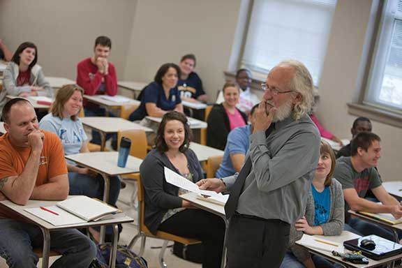 Dr. Robert F. Long, a distinguished visiting professor in the Nonprofit Leadership Studies program at Murray State, leads a class in the  new master's degree track.