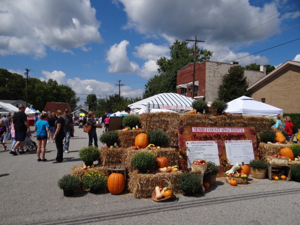 Held every September since 1991, the popular Trimble County Apple Festival raises funds for local schools and groups.