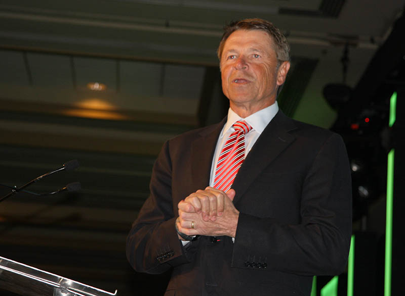 David Novak, CEO of Louisville-based Yum! Brands, introduced the featured speaker at GLI's Annual Meeting, JPMorgan Chase CEO Jamie Dimon.