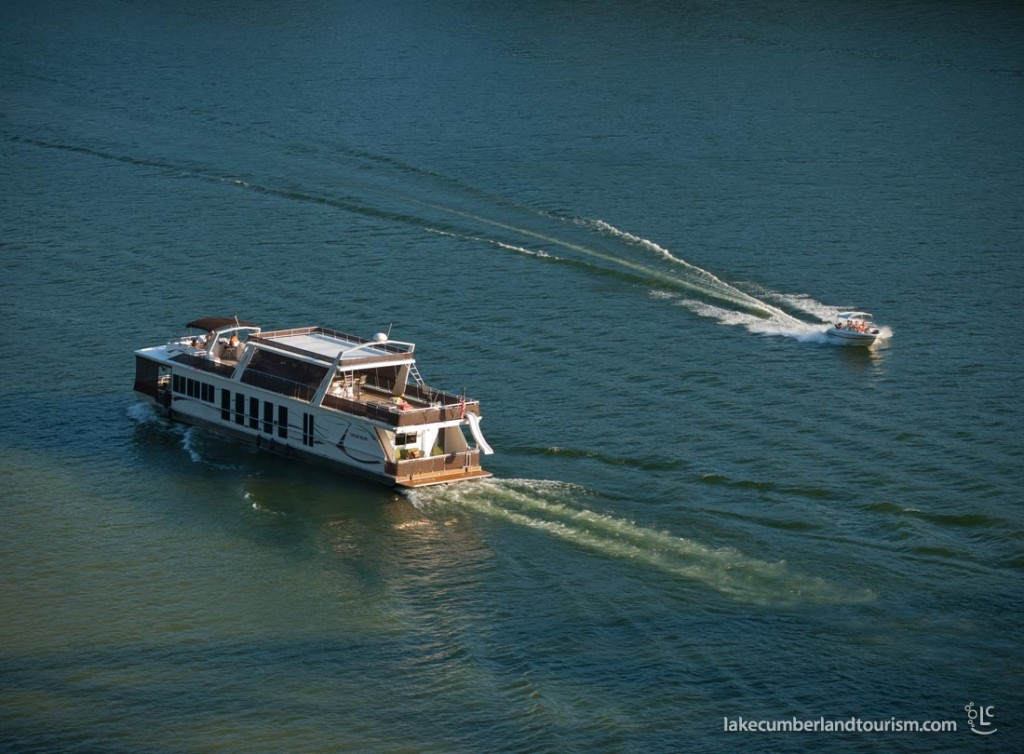Lake Cumberland is a popular attraction for house and speed boats.