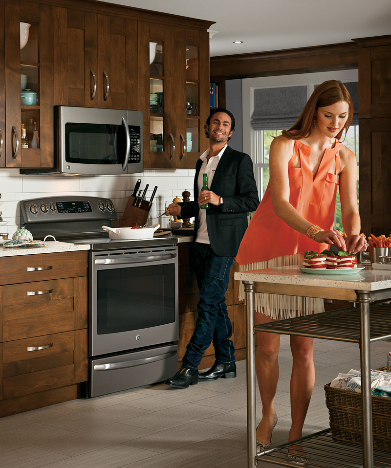 Slate's low-gloss, warm gray finish offers an inviting alternative to stainless steel and complements popular kitchen decor. (Photo: GE)