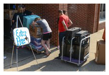 Students moving in at UofL.