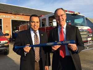 Sen. Ralph Alvarado, recently named a Kentucky Chamber MVP, was presented with a commemorative Louisville Slugger Bat by Kentucky Chamber President and CEO Dave Adkisson.