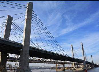 The Downtown Crossing includes the new Abraham Lincoln Bridge, an improved Kennedy Bridge and interstate connections on both sides of the river. Substantial completion of the entire Downtown Crossing is scheduled for December 2016.