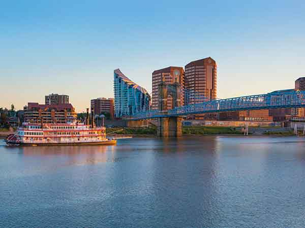BB Riverboats take guests on spectacular river cruises on the Ohio River.