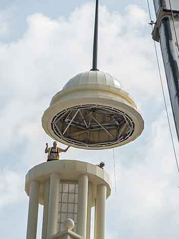 Cupola-Dome-Swings-into-Position