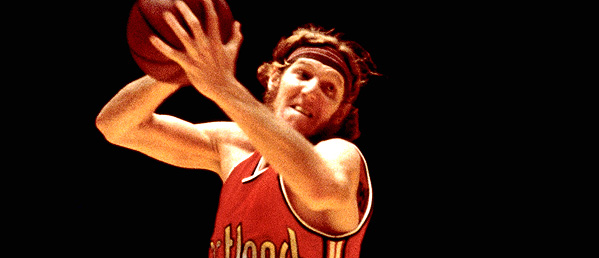 Bill Walton, a former member of the Boston Celtics and Los Angeles Clippers , was inducted into the Basketball Hall of Fame in 1993.