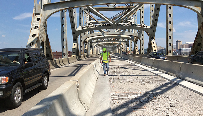 Work in summer 2017 to replace the deck of the Brent Spence Bridge as well as improve lighting and drainage brought lane closures that worsened delays already estimated to total 3.6 million hours annually.