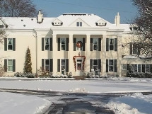 Built in 1869, the Riverside Inn Bed & Breakfast was renovated in 2011 and is now Kentucky's most luxurious B&B and a premiere waterfront events center.